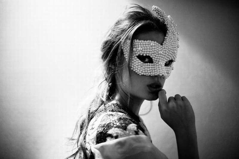 Pearl White Masquerades