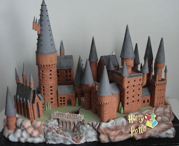 Hogwarts Birthday Cake Gingerbread
