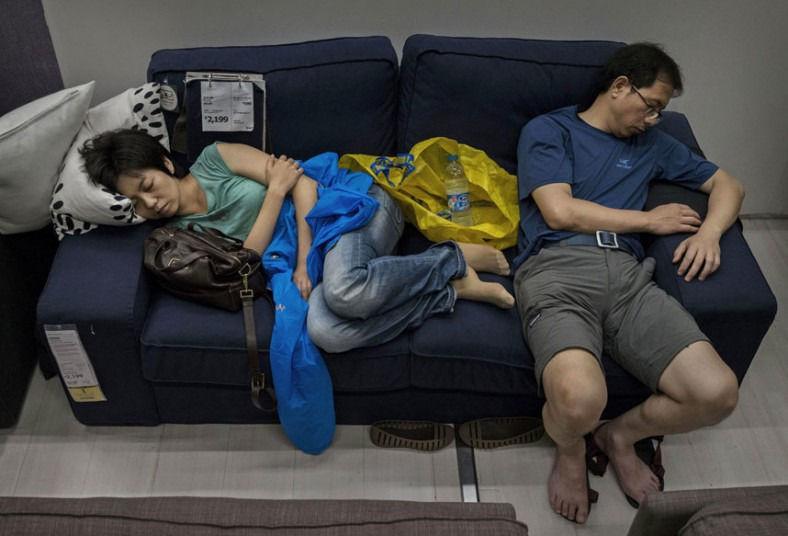 Sleeping Shopper Photography